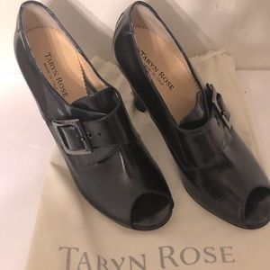 Taryn Rose black leather heeled pump shoes